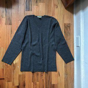 Eddie Bauer Grey Ribbed V-Neck Wool Pullover Knit